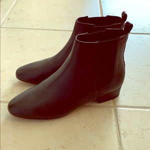 NWOT Black leather ankle boots - banana Republic!